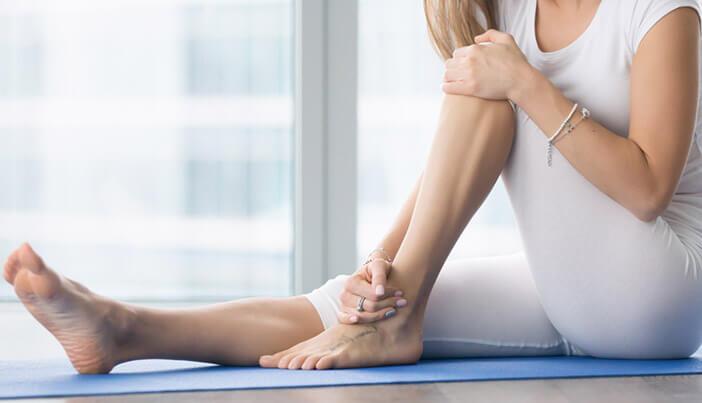 足首を細くするおすすめのマッサージやストレッチ