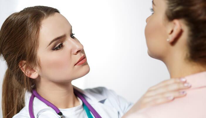 口唇ヘルペスが出る原因と対処法